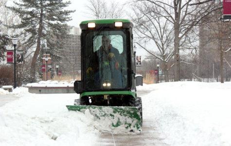 Snow falls on southern Illinois
