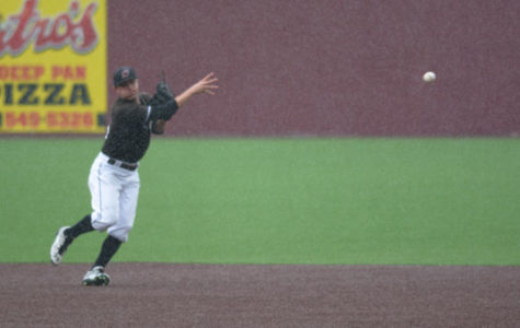 Salukis defeat Illinois State University 9-7 after two hour rain delay