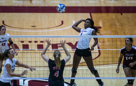 Saluki volleyball sweeps Saturday matches