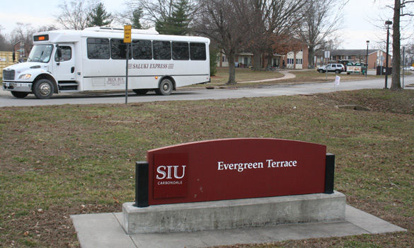 The Saluki Express bus makes a stop Feb. 2, 2016, at Evergreen Terrace. (Daily Egyptian file photo)