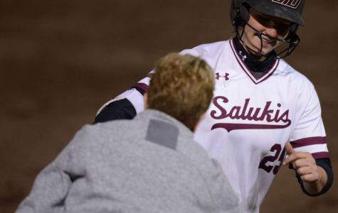 Five-run fifth salvages split for Saluki softball