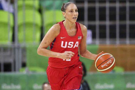 U.S. women's basketball team defeats Spain to win gold