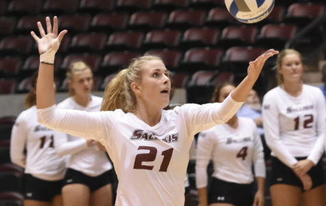SIU volleyball suffers first loss of the year to Northern Arizona