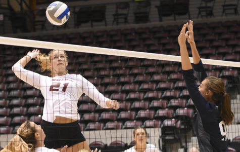 SIU volleyball drops weekend opener to No. 23 Western Kentucky