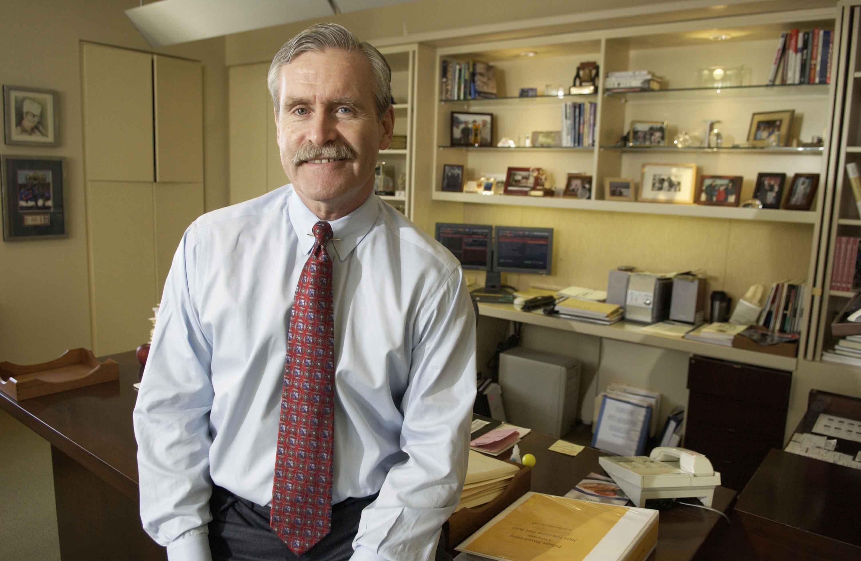 Office/environmental portrait of Dennis FitzSimons. (Bill Hogan/Chicago Tribune/MCT)