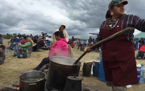 Authorities to temporarily halt pipeline construction near lake sacred to Sioux