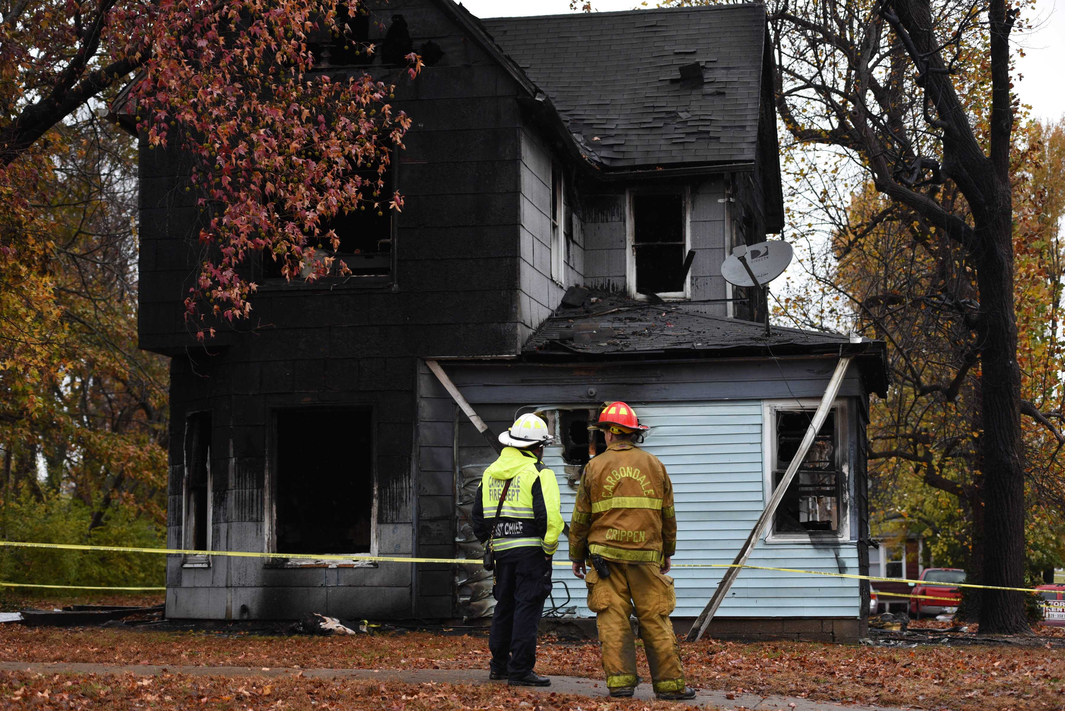 Carbondale firefighters continued to investigate a fatal structure fire that killed one person Wednesday, Nov. 23, 2016, in the 700 block of West Freeman Street. (Bill Lukitsch | @lukitsbill)
