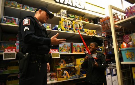 Southern Illinois children celebrate Christmas by shopping with SIU police