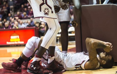 Late stumbles doom SIU men's basketball against UNLV