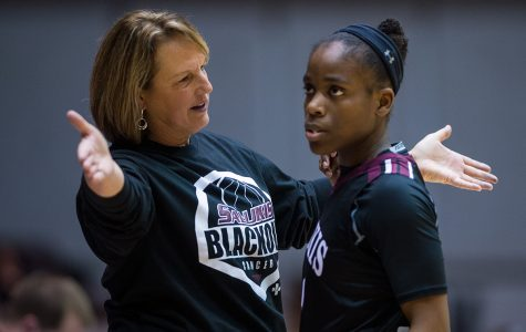 Salukis' late run falls short in loss to Evansville