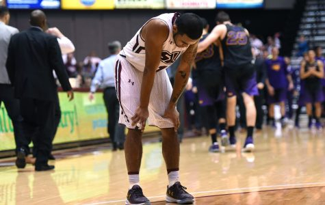 SIU collapses in final minutes, falls to Northern Iowa