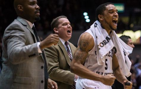 Gallery: SIU men's basketball defeats Loyola 72-70