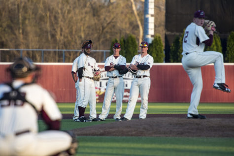 SIU unable to overcome early deficit in loss to EIU