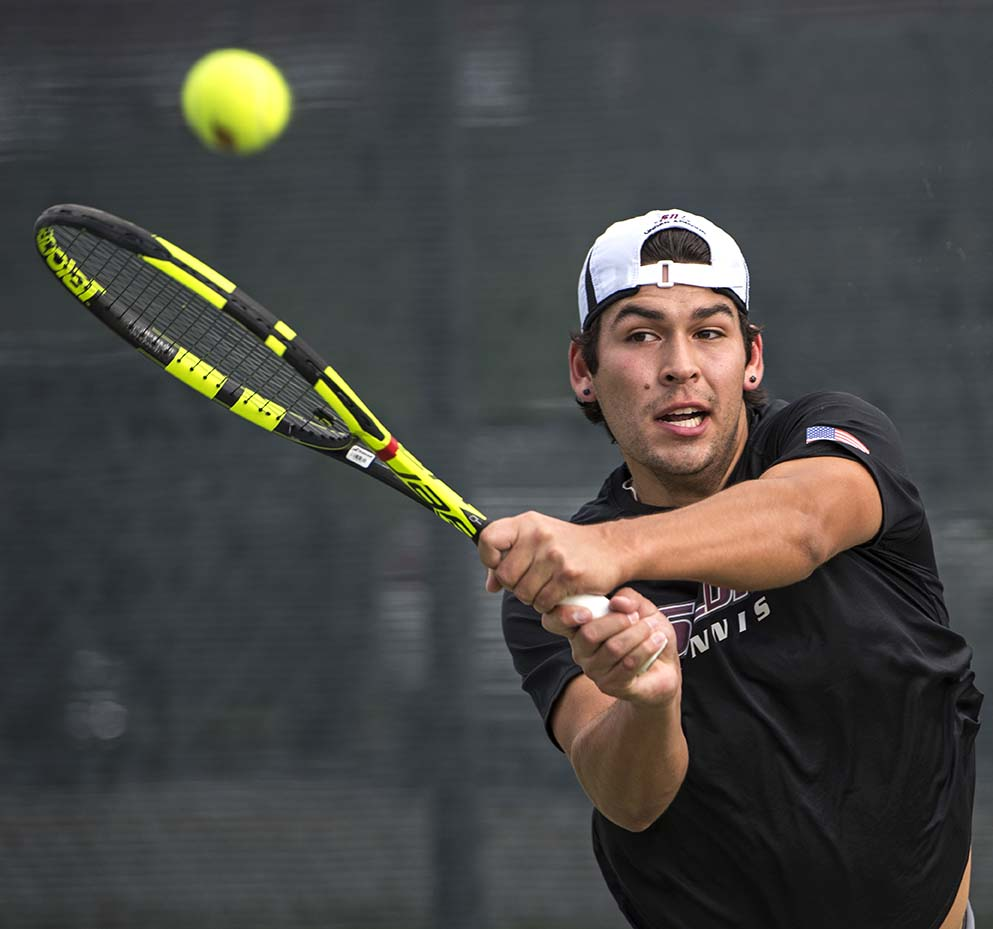"Daily Egyptian : Gallery: SIU men's tennis wins ""emotional ..."