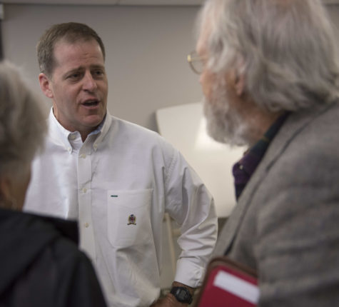 State senators address concerns of budget impasse at Carbondale town hall