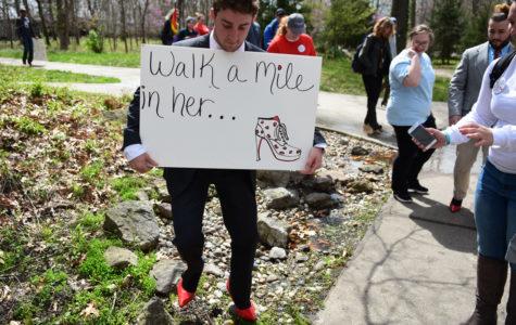 SIU students reach new heights to raise sexual assault awareness