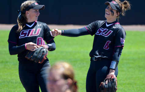 Saluki softball uses long ball to sweep Wichita State