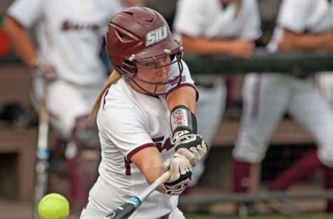 Softball takes on Evansville for second Tuesday in a row