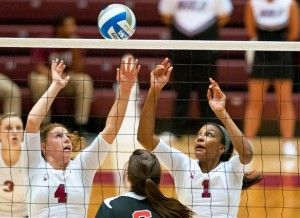 Volleyball team sweeps in weekend Saluki Invitational