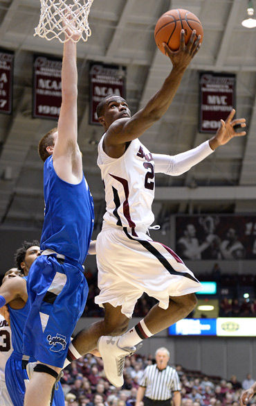 Salukis trounce Sycamores