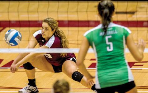 Saluki volleyball splits weekend matches