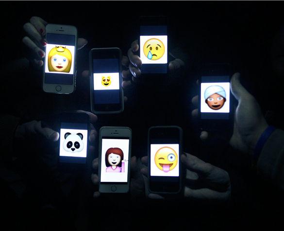 Apple diversifies emoji
