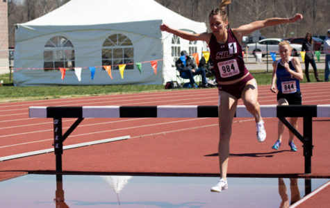 Saluki seniors mesh in steeplechase