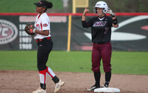 Salukis fall short in the tenth