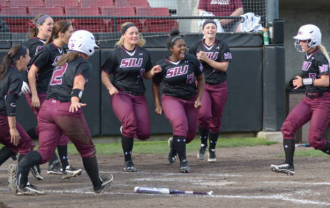 SIU takes down sister school SIUE in 5-1 win