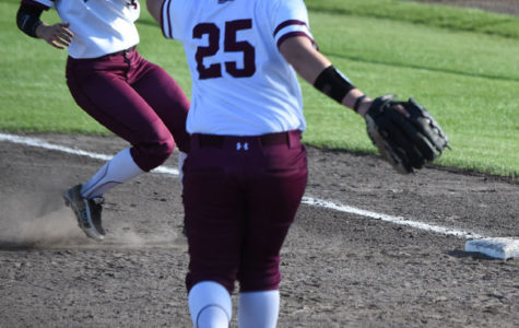 SIU relies on long ball, beats Evansville 4-3