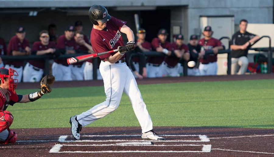 Saluki+outfielder+battles+arm+injury+in+fight+for+playing+time