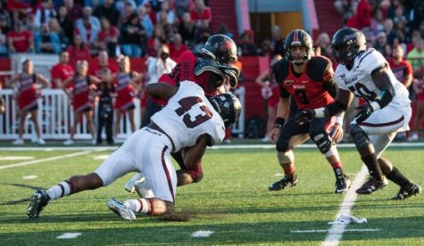 Junior outside linebacker Deondre Barnett, of Florida, makes a tackle Sept. 13, 2015, during the Saluki's 27-24 loss to Southeast Missouri State. (DailyEgyptian.com file photo)
