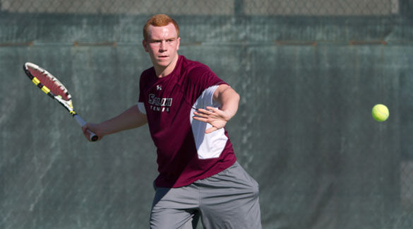 SIU men's tennis closes season with sweep
