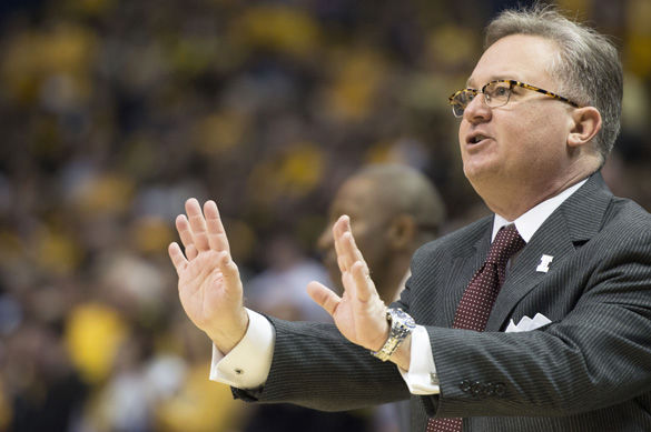 SIU mens basketball coach Barry Hinson calls out plays March 6 at Arch Madness in St. Louis during the Salukis 56-45 loss to Wichita State. (DailyEgyptian.com file photo)