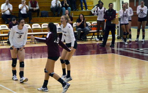 SIU volleyball beats conference leader