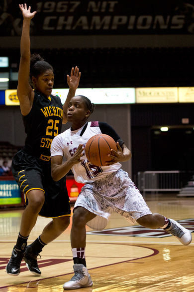 Salukis drained by late three; fall to Memphis 61-58