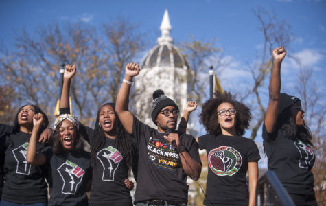 SIUC students show solidarity with Mizzou