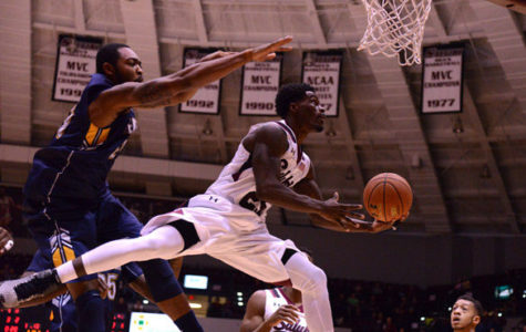 SIU basketball begins season 3-0