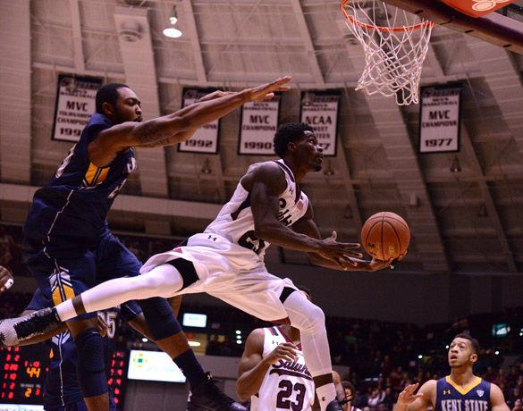SIU basketball begins season 3-0