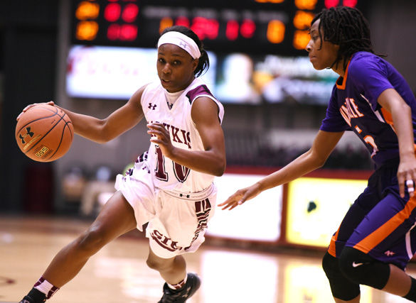 Salukis use long ball to cruise past Evansville