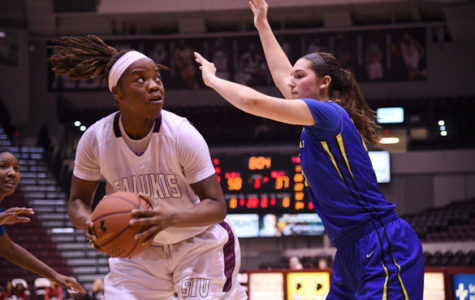 Saluki women breeze past Braves