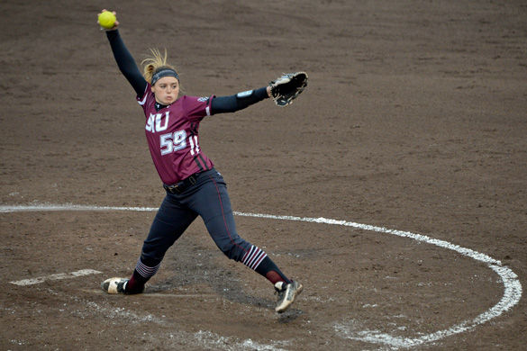 Saluki softball capitalizes on errors to win Day Three of Lion Classic