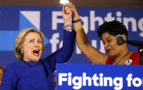 Clinton blasts Illinois governor's agenda as a return to robber baron era