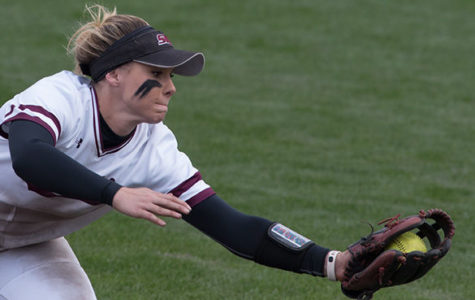 SIU softball splits pair of games on opening day