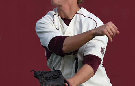 SIU baseball wins in walk-off fashion against Illinois