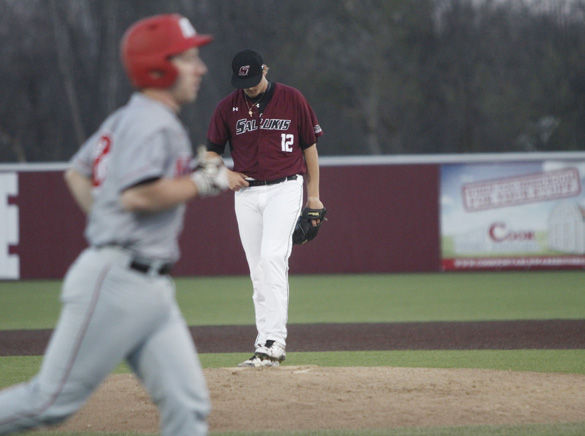 Salukis fall short against Governors