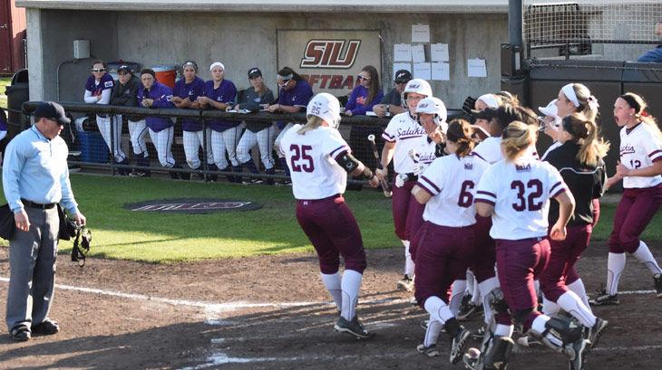 Offensive explosion leads SIU softball against Saint Louis
