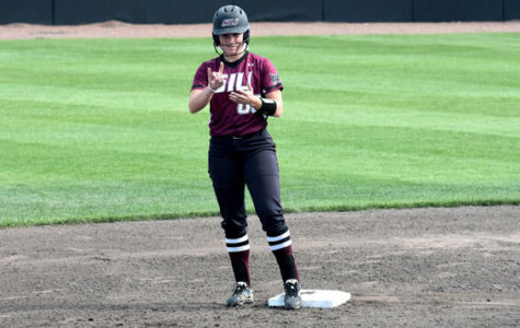SIU softball defeats Murray State