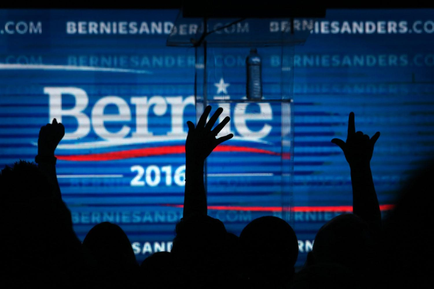 The crowd cheers as Democratic presidential candidate Bernie Sanders at the Avalon in Los Angeles for a fundraiser following the campaign's first debate the prior night in Las Vegas. (Rick Loomis/Los Angeles Times/TNS)