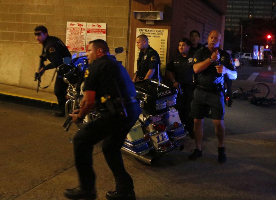 Dallas+officials+reveal+details+of+deadly+shootings+of+police%3B+5+killed+and+7+wounded